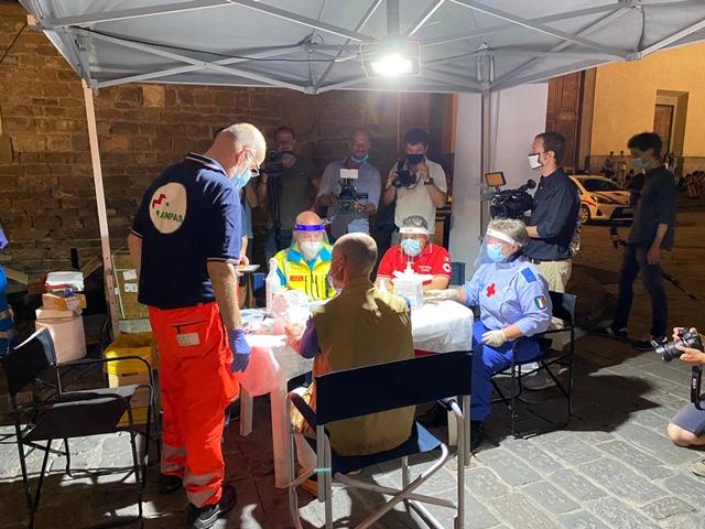 Volontariato toscano: «Ragazzi, fatevi controllare»